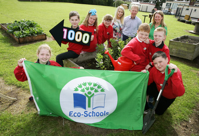 Walker Memorial Primary School receiving NI's 1000th Green Flag